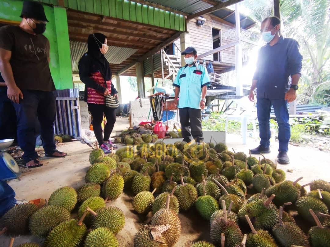 ADUN Lumadan bantu bawa peraih borong durian