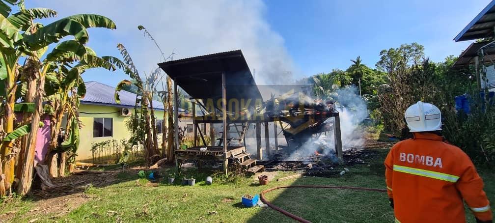 Warga emas selamat, rumah musnah terbakar di Rancangan Klias