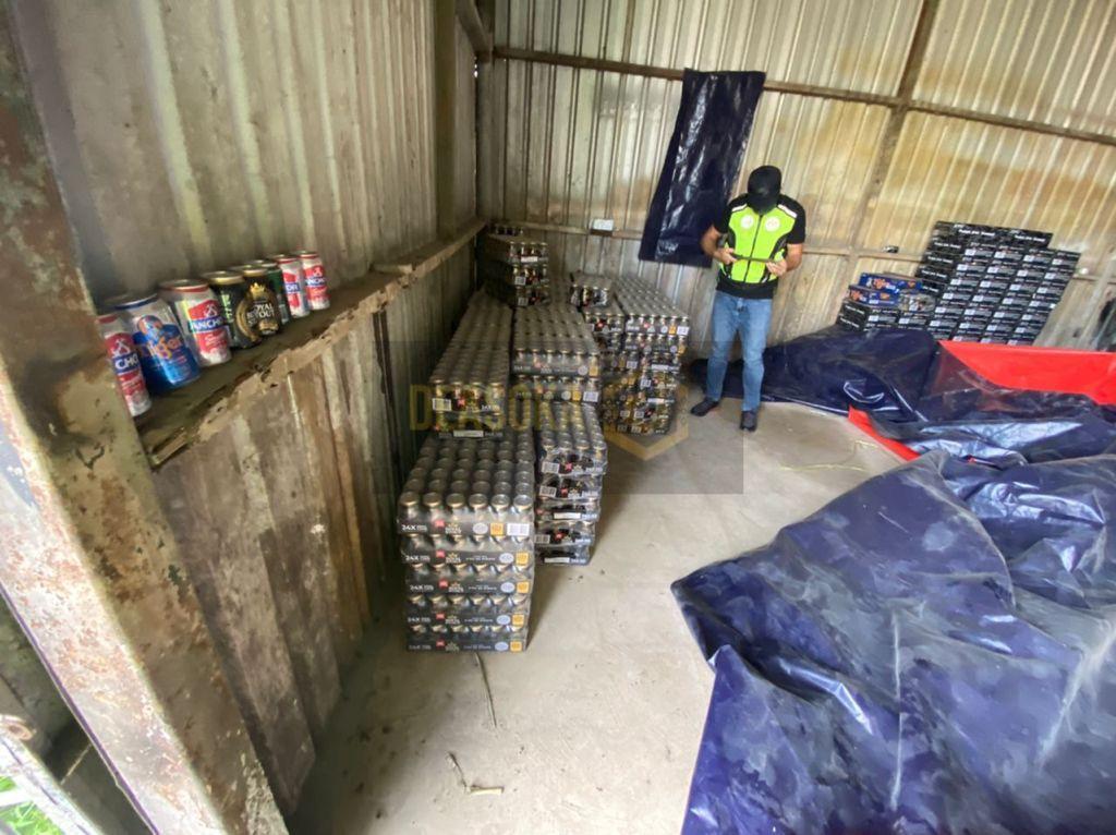 Dua gudang penyimpanan minuman keras, mercun diserbu, rampasan bernilai hampir 1 juta