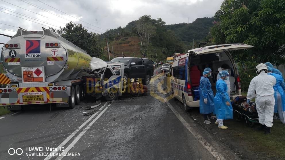 Pemandu parah, lori pengangkut bertembung tangki minyak
