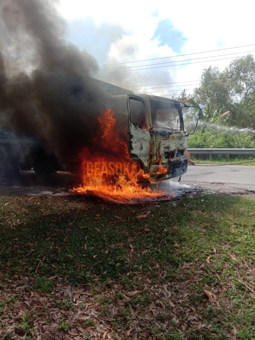 Lori sampah DBKK terbakar, pekerja selamat